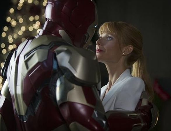Photo Flash: Robert Downey Jr., Gwyneth Paltrow in New Photos from IRON MAN 3!