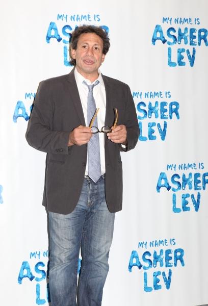 Director Gordon Edelstein