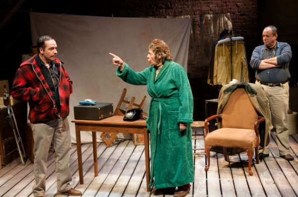 Photo Flash: First Look at Theatrical Outfit's TWO DRINK MINIMUM