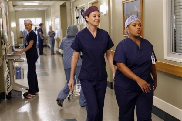 Photo Flash: First Look at GREY'S ANATOMY's 'Beautiful Doom,' 11/8