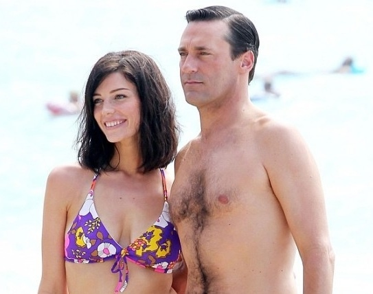 Photo Flash: First Look - Hamm, Pare on MAD MEN Hawaii Shoot