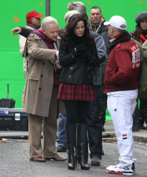 Photo Flash: Bruce Willis, Anthony Hopkins on Set of RED 2