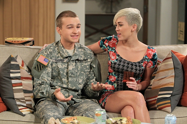 Photo Flash: First Look - Miley Cyrus Guest Stars on TWO AND A HALF MEN