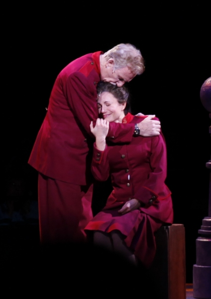 Photos: First Look at Kelly McCormick, Mylinda Hull and More in NSMT's GUYS AND DOLLS