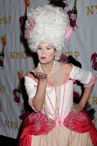 Photo Flash: Bette Midler, Debra Messing Celebrate Hulaween 2012