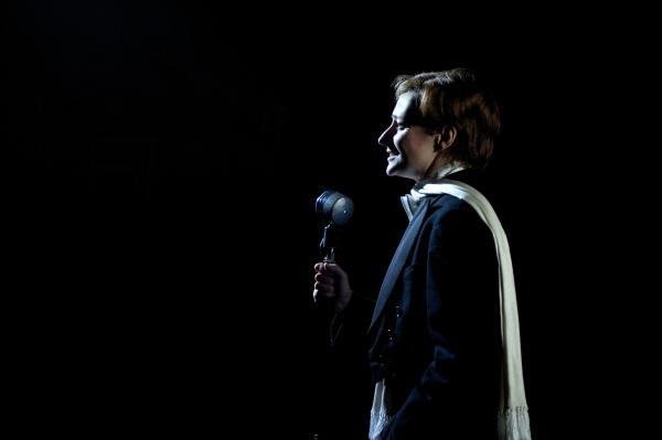 Anna Francolini as Victoria Grant