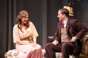 BWW Reviews: Seattle Rep's THE GLASS MENAGERIE Shines with Tragic Honesty