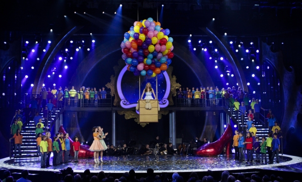 Photo Coverage: Danielle Wade Wins CBC's OVER THE RAINBOW!