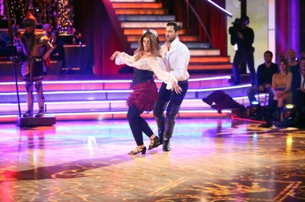 KIRSTIE ALLEY, MAKSIM CHMERKOVSKIY    at A Look at Last Night's DANCING WITH THE STARS, 11/5