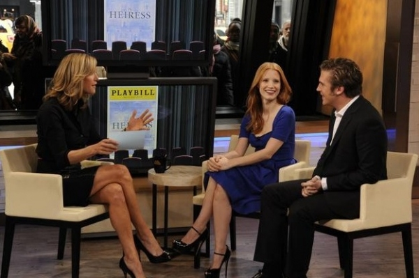Photo Flash: THE HEIRESS' Jessica Chastain, Dan Stevens Visit GMA