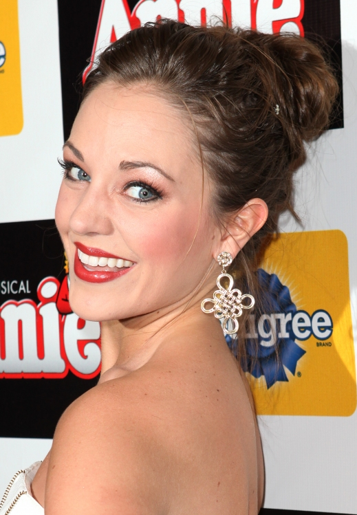 High Res Laura Osnes