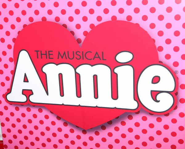Photo Coverage: Bernadette Peters, Andrea McArdle, and More at ANNIE Opening- Arrivals!
