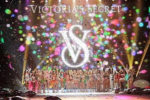Photo Flash: First Look - Justin Bieber, Rihanna & More Set for VICTORIA SECRET FASHION SHOW on CBS