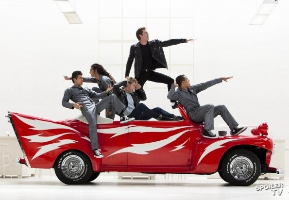 Photo Flash: Sneak Peek - GLEE Does GREASE!; Christmas Episode to Tribute LOVE, ACTUALLY!