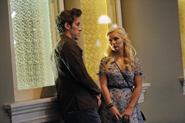 SAM PALLADIO, CLARE BOWEN    at First Look - NASHVILLE's 'Lovesick Blues,' to Air 11/28