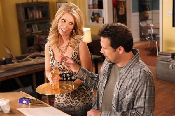 Photo Flash: First Look - SUBURGATORY's 'Friendship Fish,' Airs 11/28
