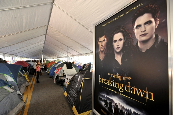 Photo Flash:  Fans Camp Out for BREAKING DAWN L.A. Film Premiere