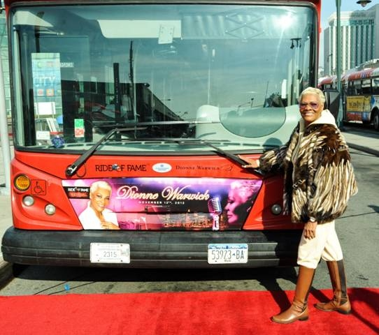 Photo Flash: Dionne Warwick Celebrates New Album with Gray Line New York 'Ride of Fame'