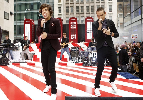 Photo Flash: One Direction Performs on NBC's TODAY