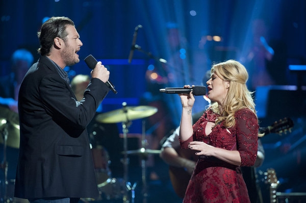 Photo Flash: BLAKE SHELTON'S NOT-SO-FAMILY CHRISTMAS Encores on NBC Tonight