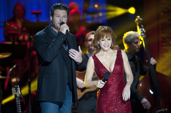 Photo Flash: First Look - BLAKE SHELTON'S NOT-SO-FAMILY CHRISTMAS on NBC