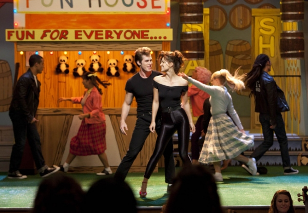 "GLEE: The glee club performs a musical in the ""Glease"" episode of GLEE airing Thursday, Nov. 15 (9:00-10:00 PM ET/PT) on FOX. Pictured L-R: Jacob Artist, Jenna Ushkowitz, Blake Jenner, Melissa Benoist, Vanessa Lengies, Becca Tobin and Samuel Lar"