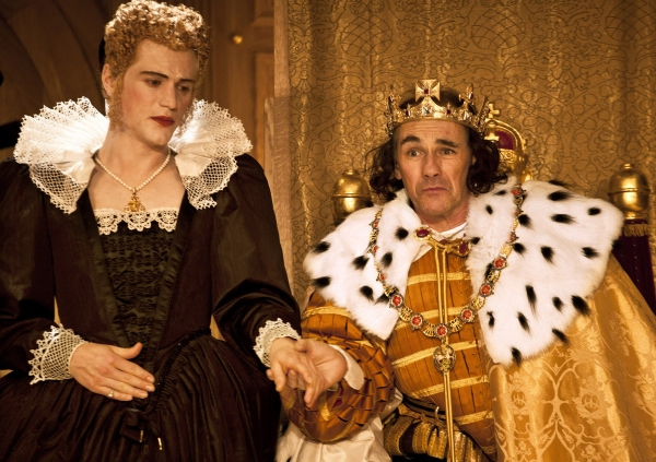 Johnny Flynn as Lady Anne and Mark Rylance as Richard III