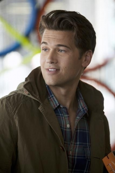 Photo Flash: First Look - HAPPY ENDINGS' P & P Romance Factory,' airs 12/4