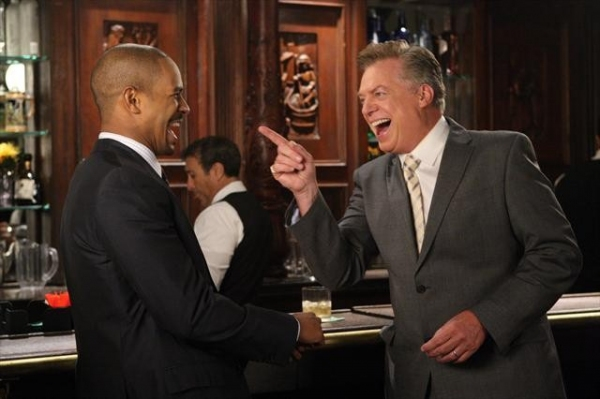 DAMON WAYANS JR., CHRISTOPHER MCDONALD at First Look - HAPPY ENDINGS' 'To Serb with Love,' Airs 12/11