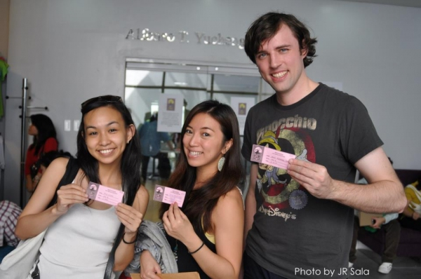 Exclusive Photo Coverage: MISS SAIGON Auditionees Register in Manila!