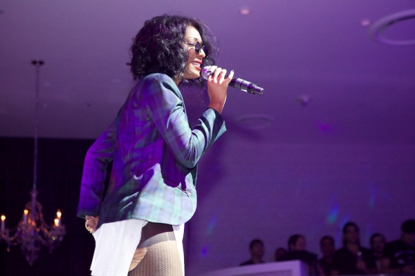Photo Flash: Wynter Gordon and More at Bagatelle Restaurant & Supper Club's Grand Opening