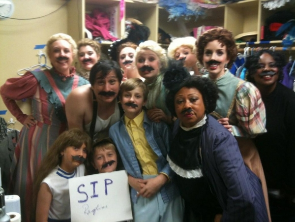 Photo Flash: Saturday Intermission Pics, Nov 17, Part 2 - EVITA Channels THE PERFORMERS, PHANTOM Does TWILIGHT & More!
