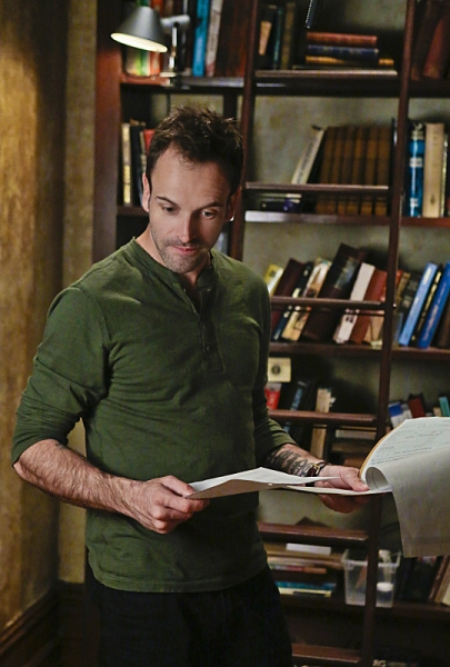 Photo Flash: First Look - ELEMENTARY's 'You Do It To Yourself,' Airs 12/6