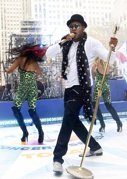 Photo Flash: Flo Rida Performs on NBC's TODAY