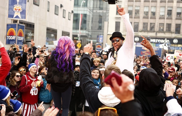 Photo Flash: Flo Rida Performs on NBC's TODAY