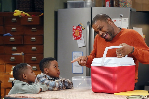 Photo Flash: First Look - GUYS WITH KIDS' Thanksgiving Episode, Airs 11/21