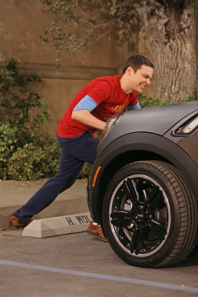 Photo Flash: First Look - THE BIG BANG THEORY's 'The Parking Spot Escalation,' Airs 11/29