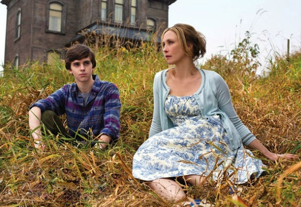 Photo Flash: First Look - A&E's Psycho Prequel BATES MOTEL