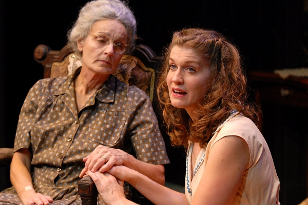 Photo Flash: First Look at Paula Faber, Ara Boghigian and More in 2nd Story's LOST IN YONKERS