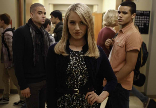 Dianna Agron at First Look at GLEE's 'Thanksgiving' Episode!
