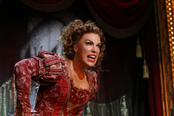 Photo Flash: First Look at KISS ME, KATE on the West End!
