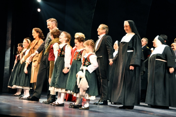 Ben Davis and Elana Shaddow with The von Trapp Children-Chelsea Morgan Stock, Sean McManus, Maya Fortgang, Hunter A. Kovacs, Amanda Harris, Gracie Beardsley and Greta Clark