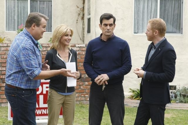 Photo Flash: First Look - MODERN FAMILY's 'Diamond in the Rough,' Airing 12/12