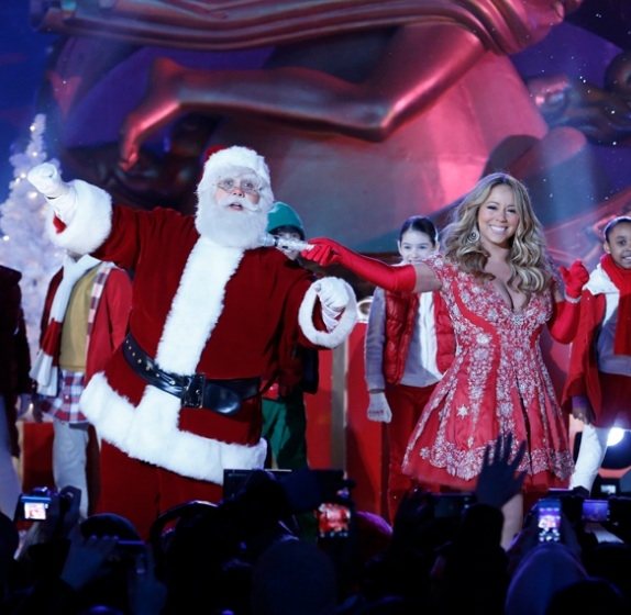 Photo Flash: Mariah Carey Rehearses for NBC's CHRISTMAS IN ROCKEFELLER CENTER