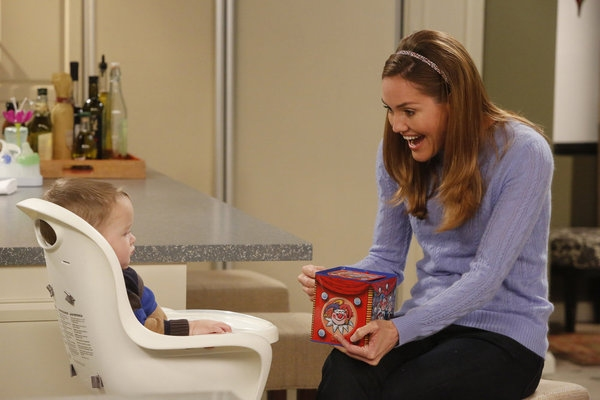 Photo Flash: First Look - GUYS WITH KIDS' Upcoming Christmas Episode