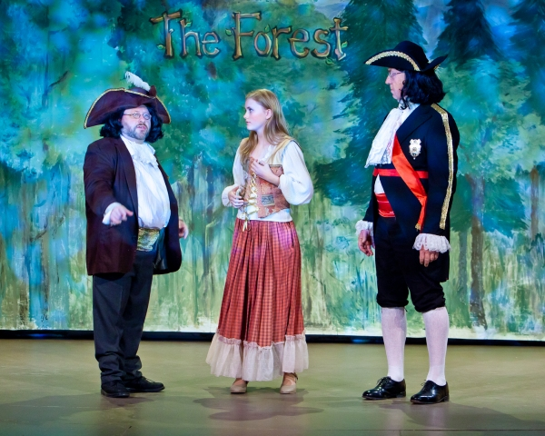 Robin Frome as Deputy Squeezem, Sophie Rundhaug as Cinderella, and David Almquist