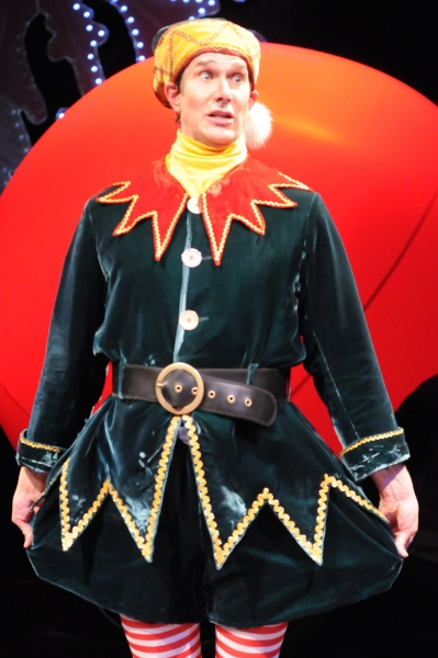 BWW Reviews: THE SANTALAND DIARIES is a Cleverly Comic Christmas Caper