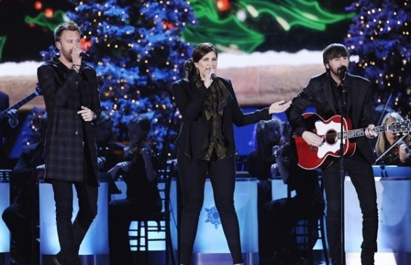 Lady Antebellum at First Look - McBride, Urban & More on ABC's CMA COUNTRY CHRISTMAS