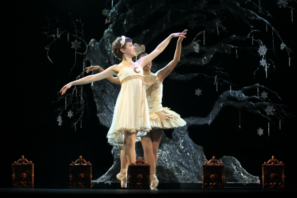 Photos: First Look at Chase Brock's Adaptation of THE NUTCRACKER at Flat Rock Playhouse!