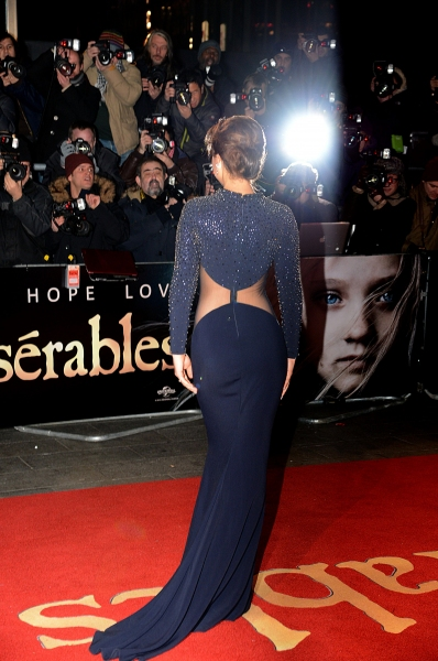 Photo Flash: On the Red Carpet at the LES MIS London Premiere- Anne Hathaway, Hugh Jackman, and More!